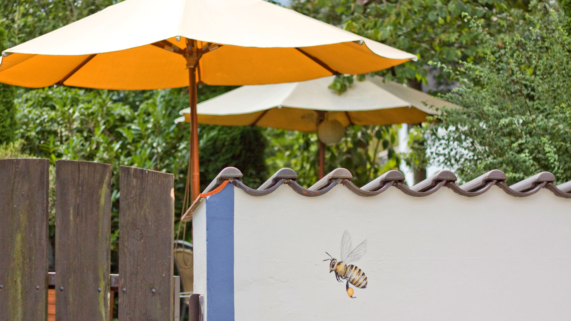 Biohotel Bavaria Garmisch-Partenkirchen – Gartenschirm Sommer