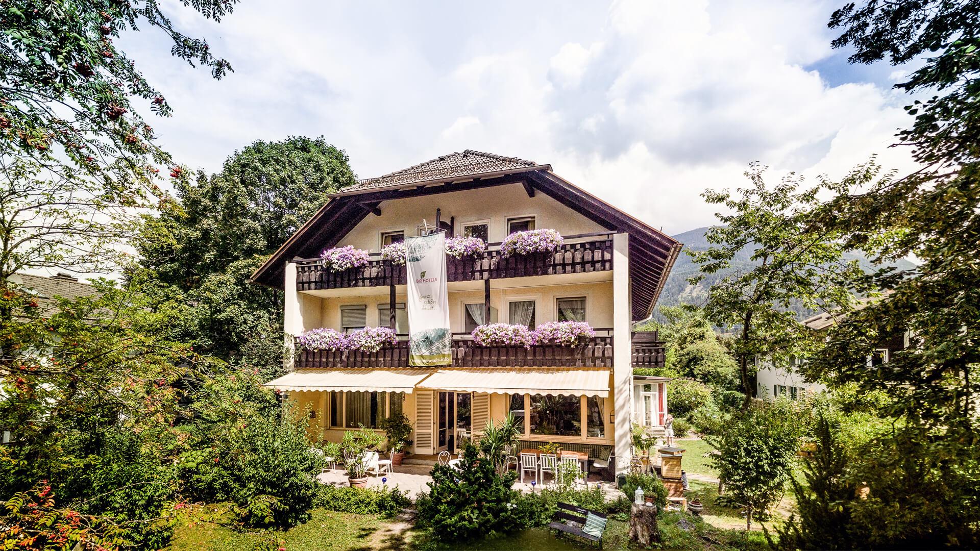 Biohotel Bavaria Garmisch-Partenkirchen – Hotel im Sommer