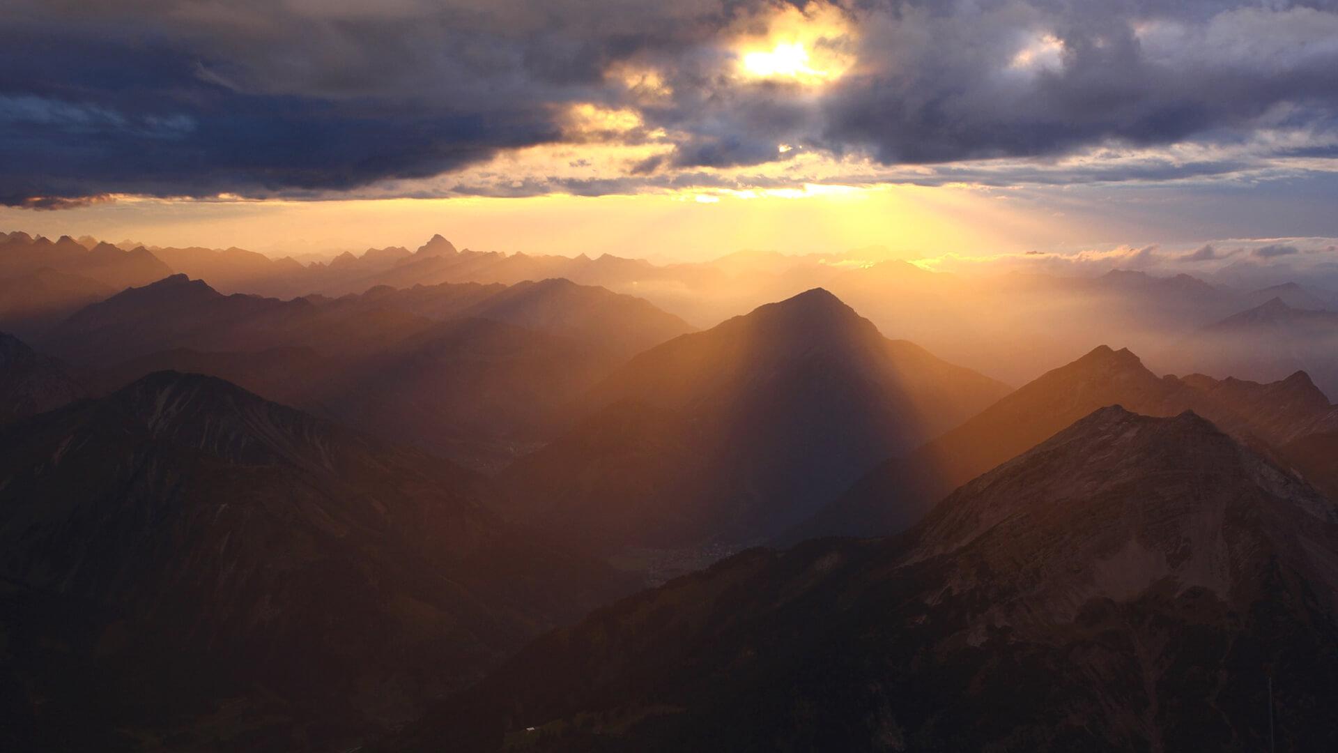 Urlaub in Garmisch-Partenkirchen – Zugspitze in Abendstimmung